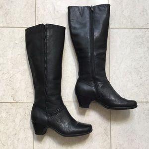 CLARKS ARTISAN black leather knee high boot 6 M